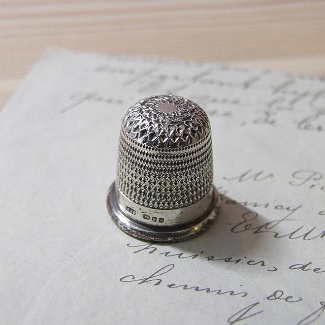 アンティーク シンブル 指ぬき イギリス シルバー 裁縫道具 ディスプレイ ラッキーアイテム インテリア 母の日 プレゼント