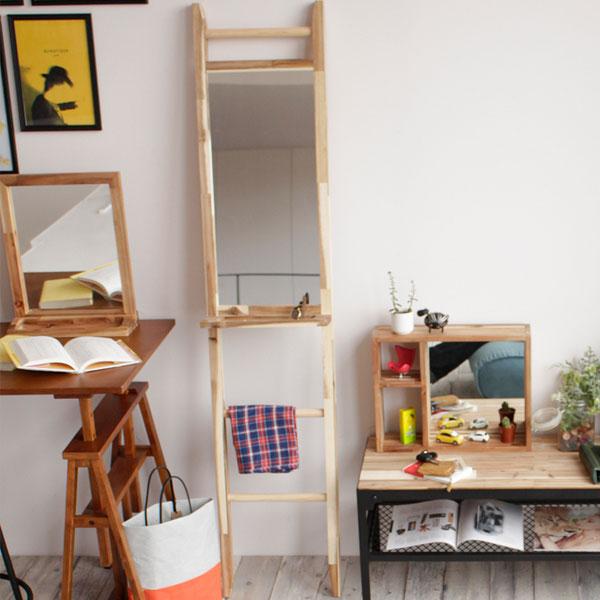 【送料無料】ラダーラック ミラー トレイ付き 鏡 かがみ 立て掛け式 木製 ストールやタオルなどを掛けれるはしご型 小物を置くのに便利なトレイ付 壁に立て掛けて使えるラダーミラー ウッド ミラー 北欧/カントリー/アンテ
