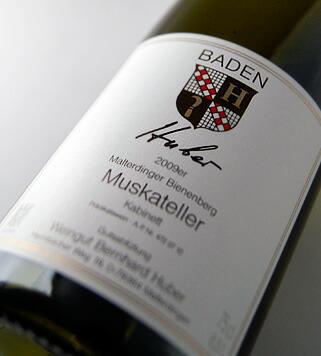 マルターディンガー ビーネンベルク muskateller kabinet Bernhard Huber Malterdinger Bienenberg Muskateller Kabinett (Weingut Bernhard Huber)