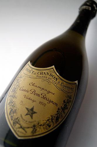 特酿唐培里侬香槟葡萄酒 [1976 年] (无盒) 空腹 et 酩悦香槟) Dom Perignon 葡萄酒 (空腹 et 酩悦香槟)