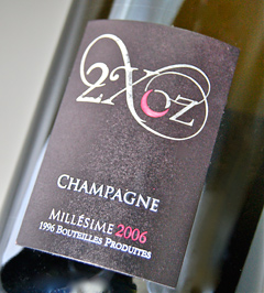 """2 XOZ (de Foix oz)"" Premier-Cru non dose Mirjam [2006] (Roger piyon) ""2 XOZ"" 1 er Cru Non Dose (Sans sucre) Brut Millesime [2006] (Roger Pouillon)."
