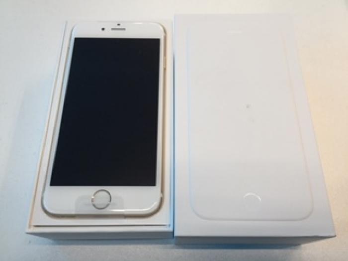 【中古】【白ロム】【docomo】iPhone6 16GB[未使用]【〇判定】