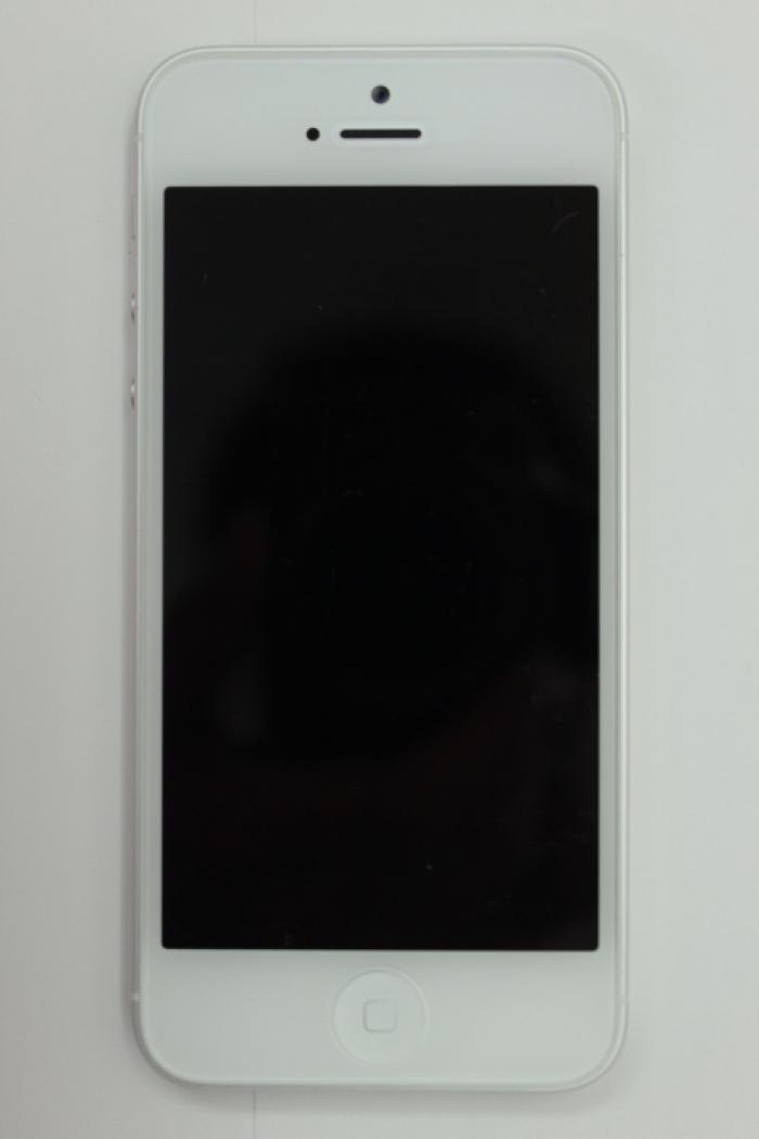 【中古】【白ロム】【au】iPhone5 64GB[ホワイト&シルバー]【○判定】