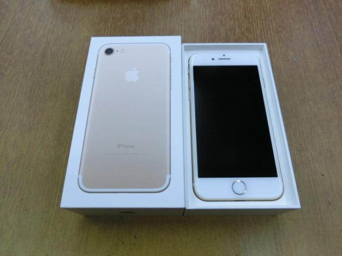 【中古】【白ロム】【au】iPhone7 128GBGold