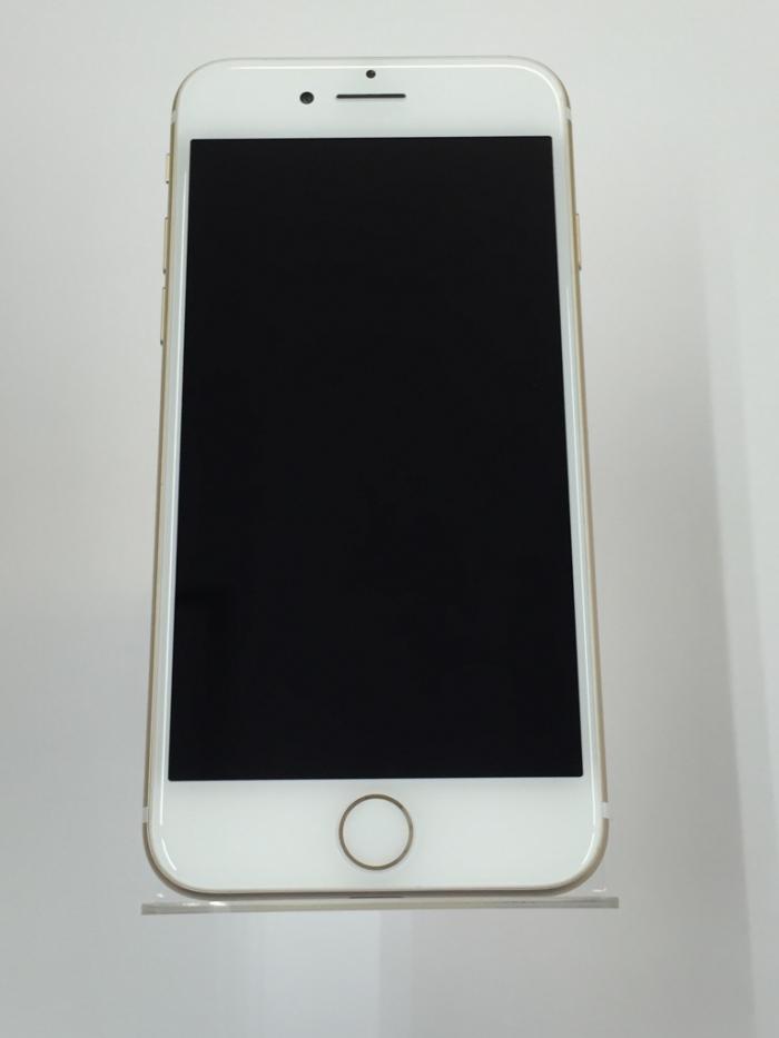 【中古】【白ロム】【au】iPhone7 128GB【〇判定】