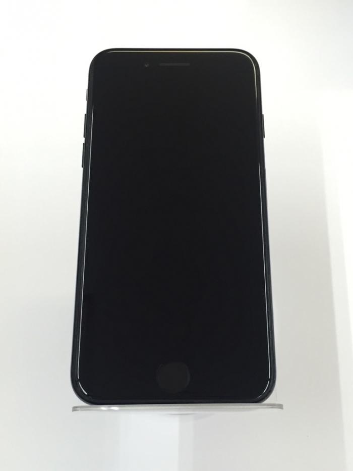 【中古】【白ロム】【au】iPhone7 128GB【ジェットブラック】【Aランク】【△判定】