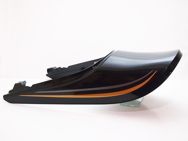 Z900RS用Z1タイプテールカウルメタリックスパークブラックステッカー貼付済みセット