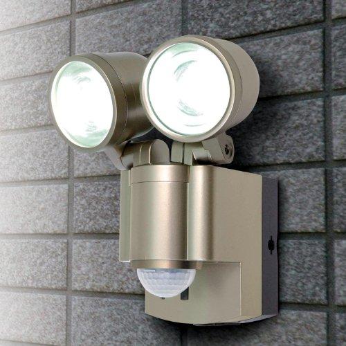 【新品】 ELPA 屋外用LEDセンサーライト 乾電池 3wLED 2灯 ESL-302BT