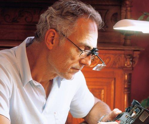 【新品】 ESCHENBACH メガネ型クリップルーペ ラボクリップ 両眼タイプ 倍率2倍 3倍 レンズ2枚セット 1646-213