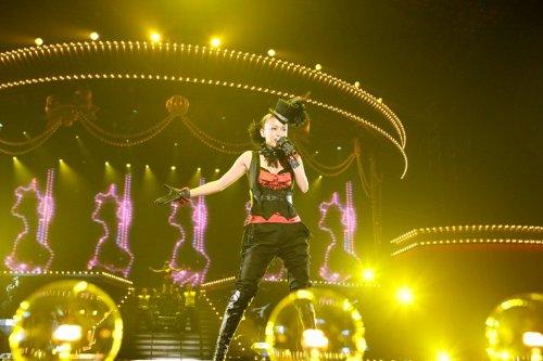 【新品】 namie amuro BEST FICTION TOUR 2008-2009 [Blu-ray]