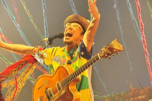 【新品】 TOURあいのわ「タカシにその器はないんじゃないかしら…」と母は言ったのであった。@日本武道館 2009.10.28 (初回盤) [DVD]