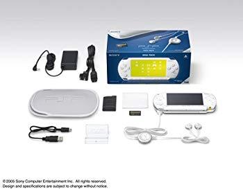 【中古】PSP「プレイステーション・ポータブル」ギガパック セラミック・ホワイト(PSP-1000G1CW)【メーカー生産終了】