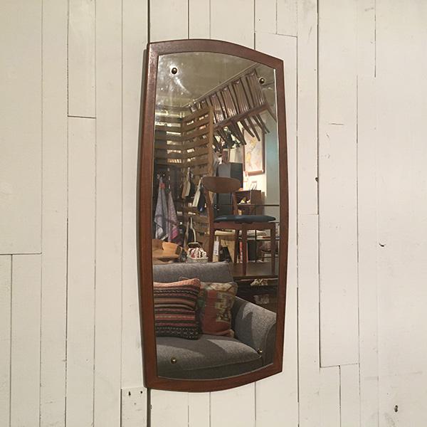 ビンテージチークフレームミラー【A】Teak Frame Mirror(3109-016-A)【ダブルデイ/DOUBLEDAY/アンティーク/ミッドセンチュリー/ビンテージ/イギリス/北欧/壁掛け/チーク/鏡/ミラー/雑貨】