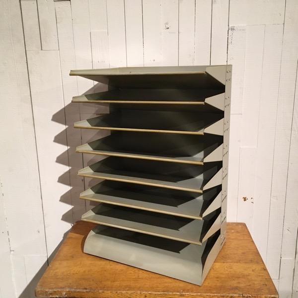 【ダブルデイ/アンティーク/家具】Belgium Steel Letter Shelf(2911-171ベルギー スチール レター シェルフ(ビンテージ/シェルフ/ジャンク/スチール/ワーク/収納)