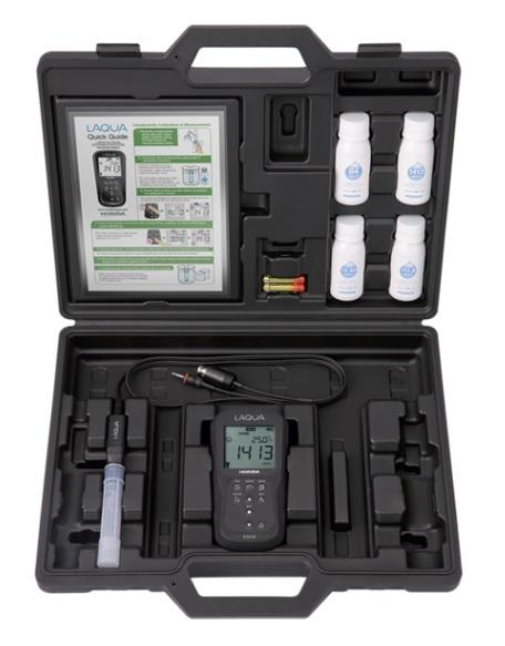 堀場製作所 フィールド型ポータブル水質計 D-210 CONDセット (D-210C-S) (キャリングケース付)