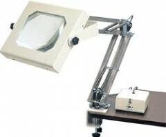 【ポイント5倍】 オーツカ光学 (OOTSUKA) 照明拡大鏡/スクエアシリーズ(WIDE-4) WIDE-4 2倍