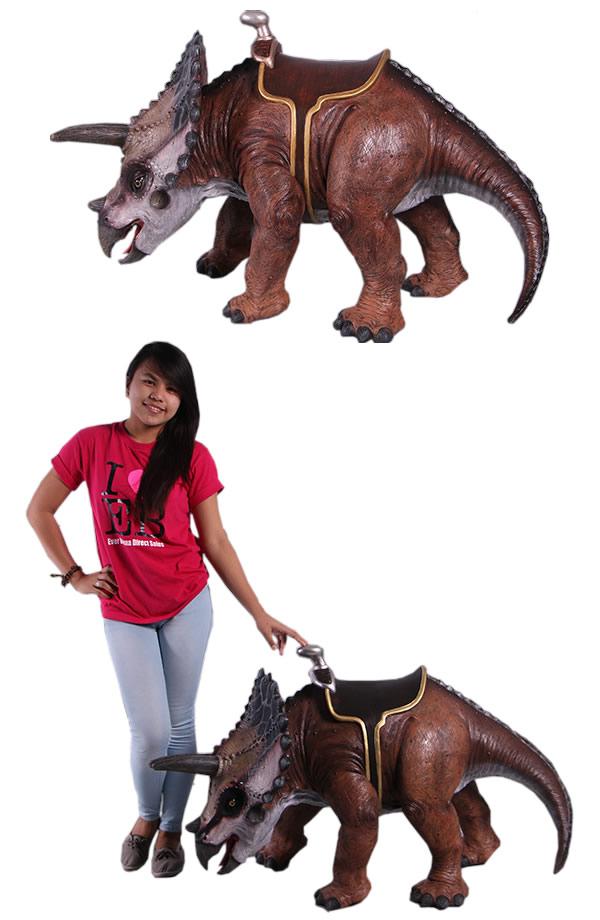 全長149cm!乗れるトリケラトプス (恐竜等身大フィギュア)