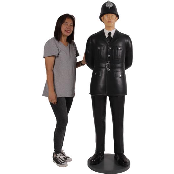 『イギリス警官』の等身大フィギュア!  イギリス(英国)警察官・等身大フィギュア