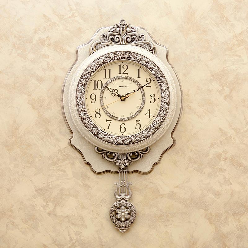 ビクトリアンパレスのウォールクロック(壁掛け時計)[ペンデュラムクロック(ヴェルサイユ)]ホワイト