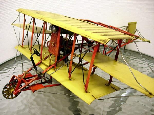 ブリキのおもちゃ 複葉機B・イエロー1