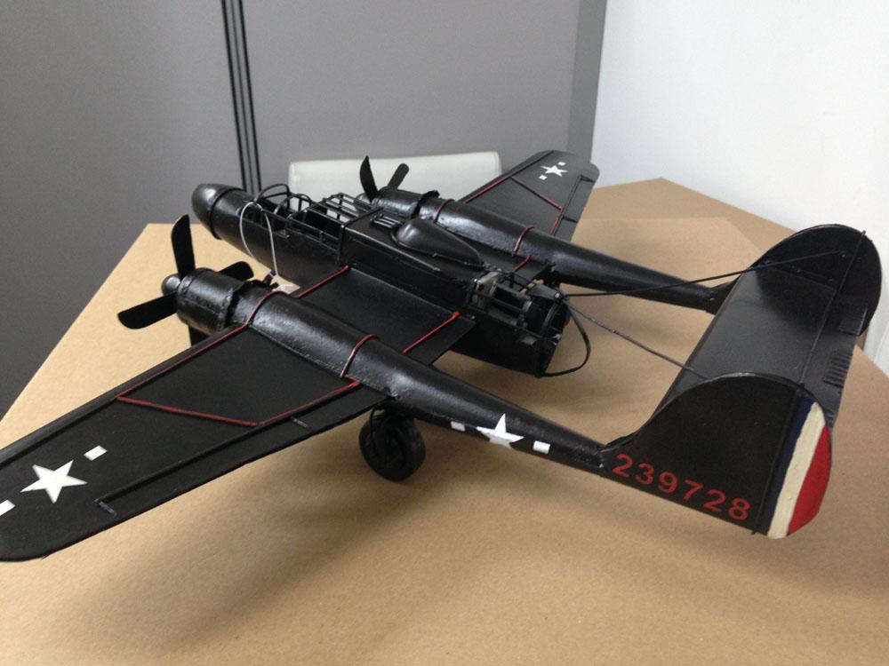 ブリキのおもちゃ ロキードP-61 ブラック・ウィドウ 夜間戦闘機