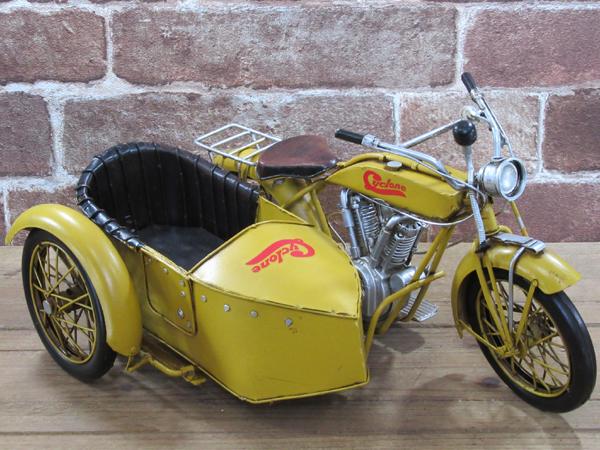 ブリキのおもちゃ レトロバイク・サイドカー・イエロー3
