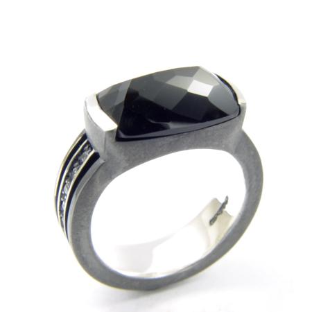 メーカー取り寄せ品/オニキスラインリング(シルバー)/指輪/holloow/ホロウ