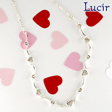 【Lucir】【送料無料】ラブリーなハートチェーンheartシリーズネックレス LC-24 プレゼント 結婚祝い 出産祝い バレンタイン モバナナ