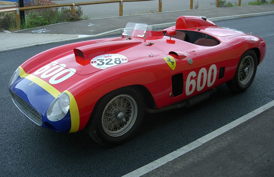 Amalgam Collection 1:18法拉利跳跃马诞生70周年纪念限定样品18。 The Fangio inspired by 1956 Ferrari 290 MM in red/yellow/blue