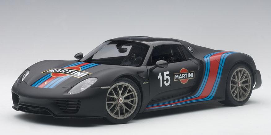 AUTOart オートアート 1:18 2015年モデル ポルシェ 918 スパイダー バイザッハ・パッケージ マルティニ・ストライプ2015 Porsche 918 Spyder Weissach Package w/Martini Stripes 1/18 by AUTOart NEW