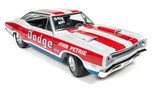 Autoworld 1969年 ダッジ チャージャー スーパービー ジョン・ペトリー1969 Dodge Charger Super Bee SS/E John Petrie Limited Edition to 1002pcs 1/18 Diecast Model Car by Autoworld