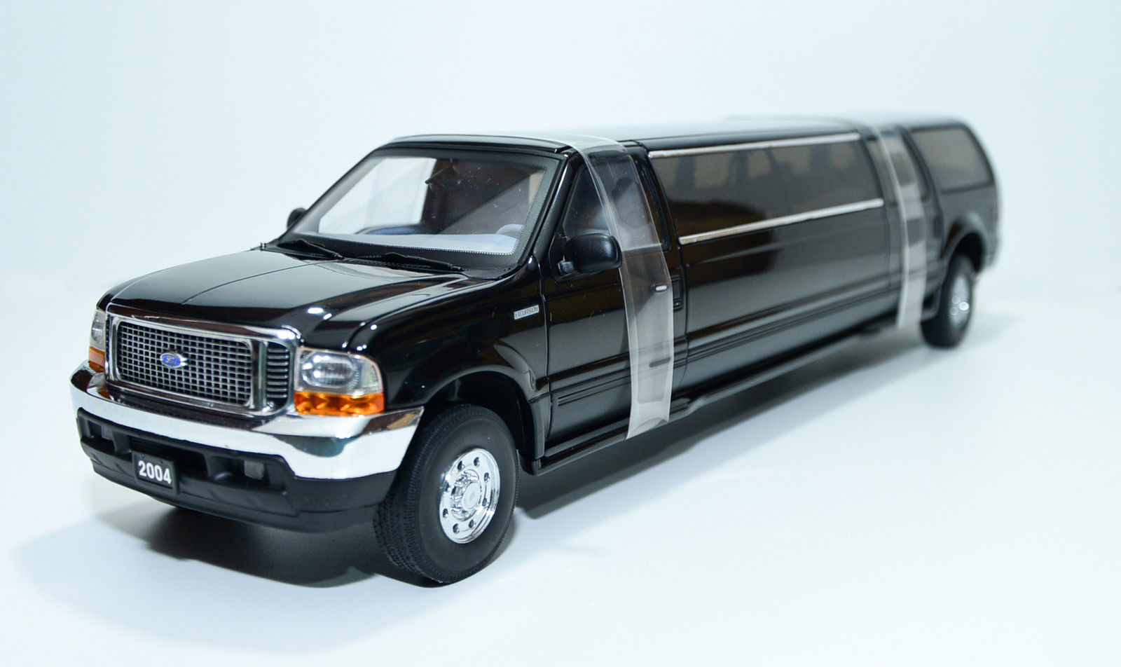 Sun Star サンスター 1:18 2004年モデル フォード Excursion リムジン2004 Ford Excursion Limo 1/18 by Sun Star