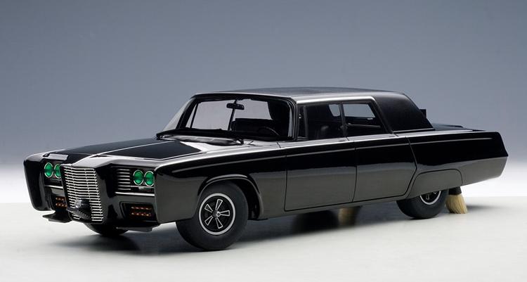 オートアート 映画「グリーン・ホーネット」クライスラー インペリアル クラウン1966 Imperial Crown Sedan Green Hornet Black Beauty Model
