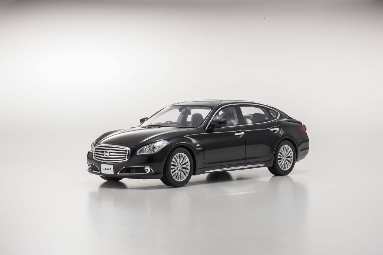 Kyosho 1:18 2015年モデル 日産 シーマ ハイブリッド2015 Nissan Cima Hybrid 1/18 Silver by Kyosho 京商