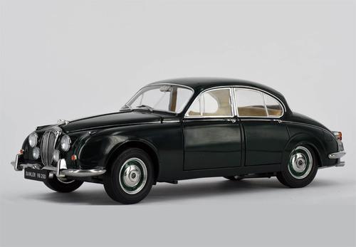 1967年モデル デイムラー 250 V8  右ハンドルParagon Models 1/18 1967 Daimler 250 V8
