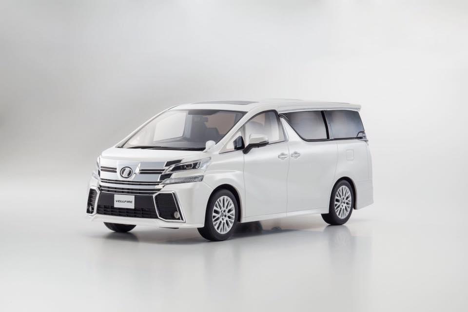 Kyosho 1:18 2015年モデル トヨタ ヴェルファイア 3.5ZA G エディション2015 Toyota Velfire 3.5ZA G Edition 1/18 by Kyosho