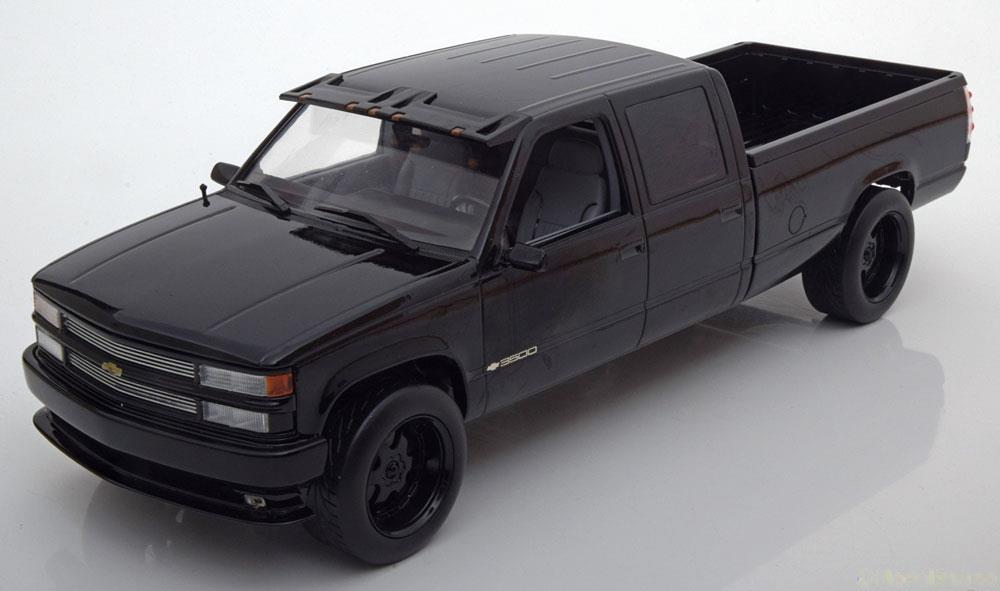Greenlight グリーンライト 1/18 ミニカー ダイキャストモデル 1997年モデル シボレー シルバーラード C2500 ブラックCHEVROLET - SILVERADO C2500 PICK-UP 1997 1:18 black by Greenlight