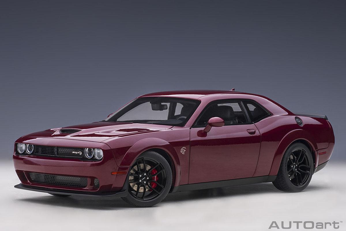 AUTOart FCA Dodge Division ライセンス商品 オートアート 1 18 ミニカー コンポジットダイキャストモデル チャレンジャー メタリック 美品 ダークレッド ダッジ 《週末限定タイムセール》 SRT ワイドボディ 2018年モデル