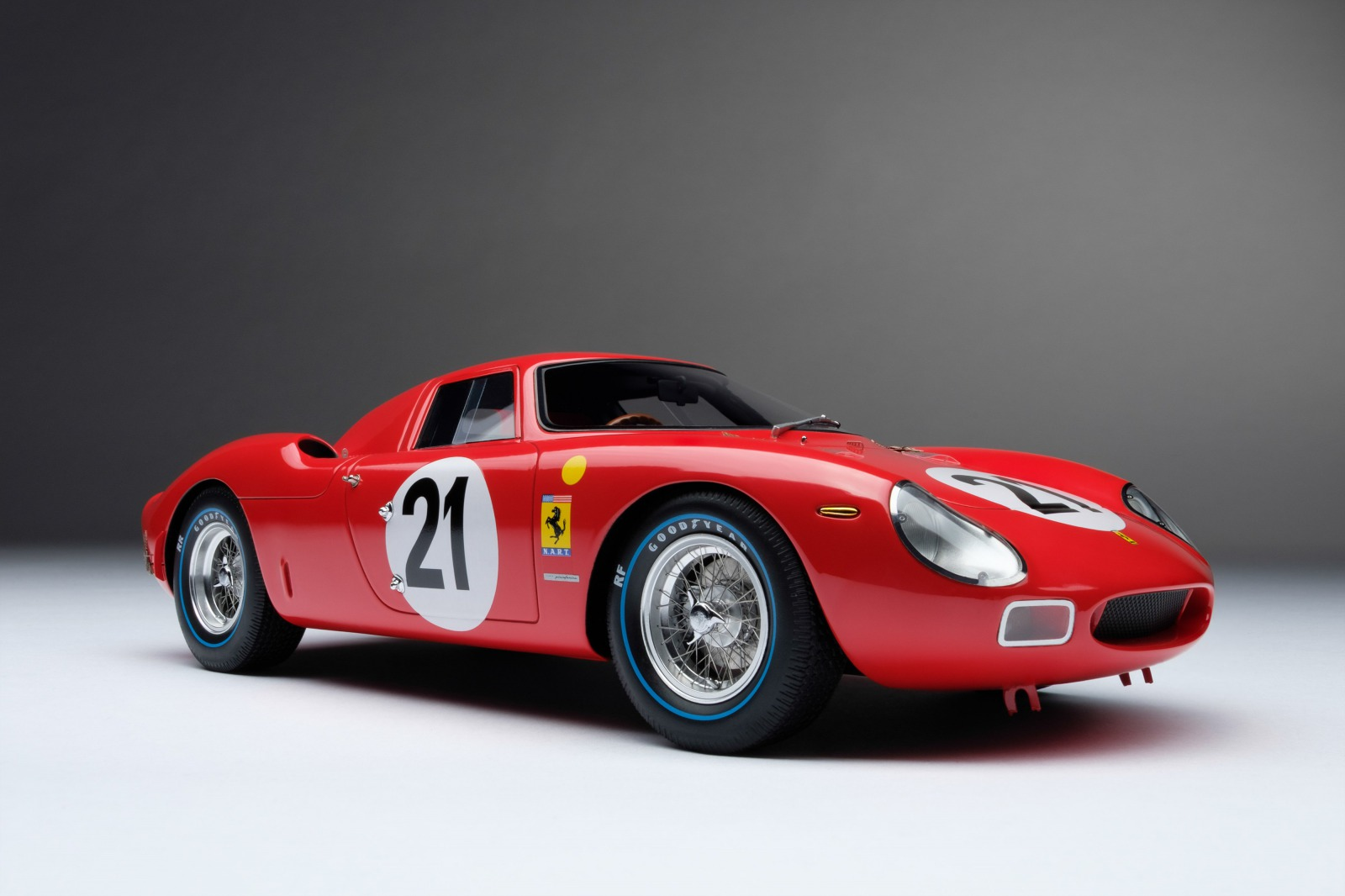 Amalgam Collection アマルガム・コレクション 1:18 1965年ルマン24時間優勝 フェラーリ 250 LM #21Ferrari 250 LM 1/18 Car #21 the overall winner of the 24 hours of Le Mans in 1965 driven by Jochen Rindt and Masten Gregory by Amalgam Collection