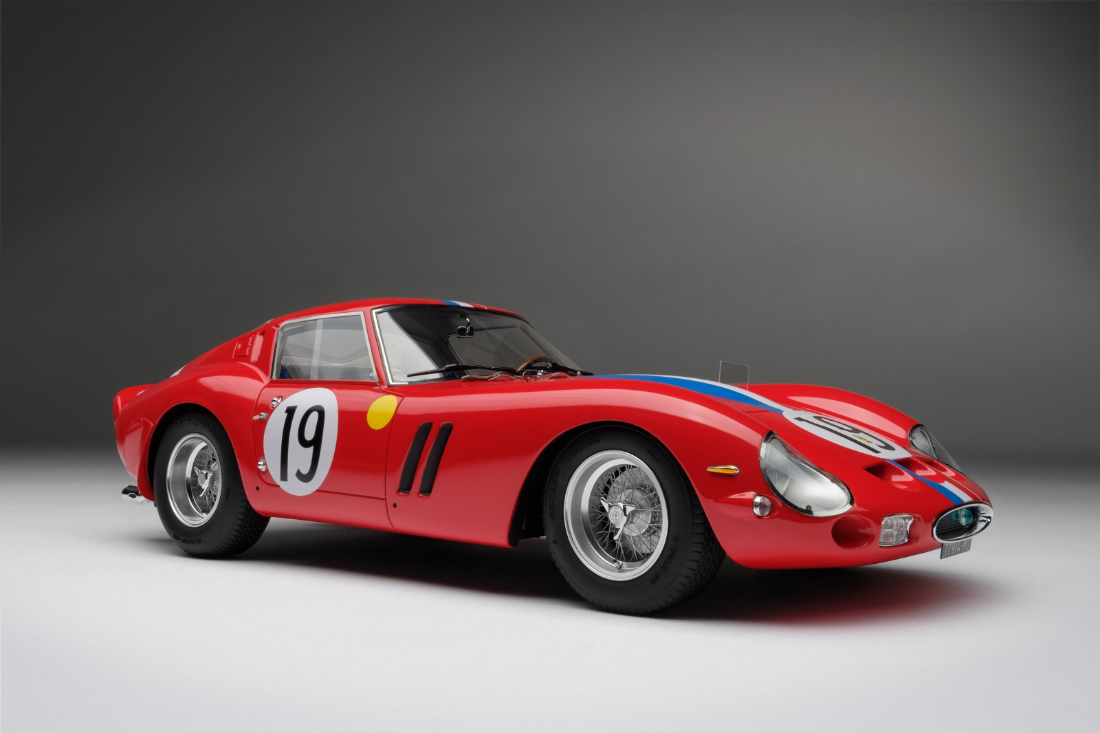 Amalgam Collection アマルガム・コレクション 1:18 1962年ルマン24時間 GT Class 優勝 フェラーリ 250 GTO #19Ferrari 250 GTO 24 Hours of Le Mans 1962 GT class winner car #19 driven by Pierre Noblet and Jean Guichet 1/18 by Amalgam Collection