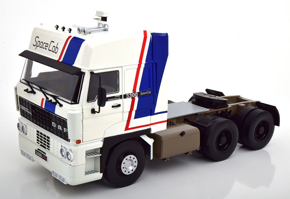 Road Kings DAF ライセンス商品 1 爆買い送料無料 18 ミニカー ダイキャストモデル TRUCK 1982年モデル SPACE CAB 新作製品、世界最高品質人気! 3-ASSI 3300 TRACTOR -