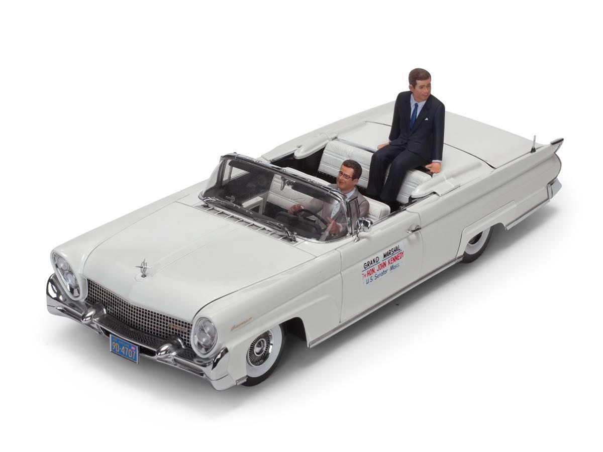 Sun Star サンスター 1/18 ミニカー ダイキャストモデル 1958年モデル リンカーン コンティネンタル マークIII ホワイト J.F.ケネディとドライバーのレジンフィギャー付き1958 Lincoln Continental MKIII John F. Kennedy in Oregon, 1960 1:18 Sun Star