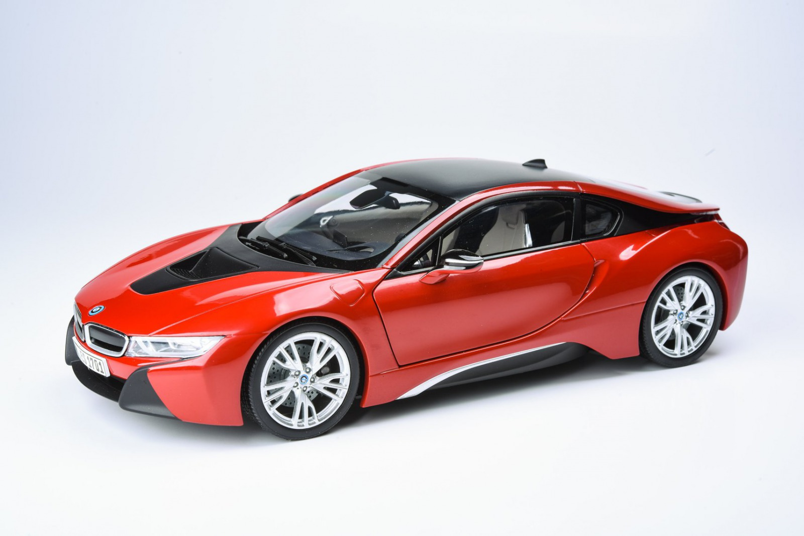 Paragon Models パラゴンモデル 1/18 ミニカー ダイキャストモデル 2017年モデル BMW i82017 BMW i8 1:18 Paragon Models