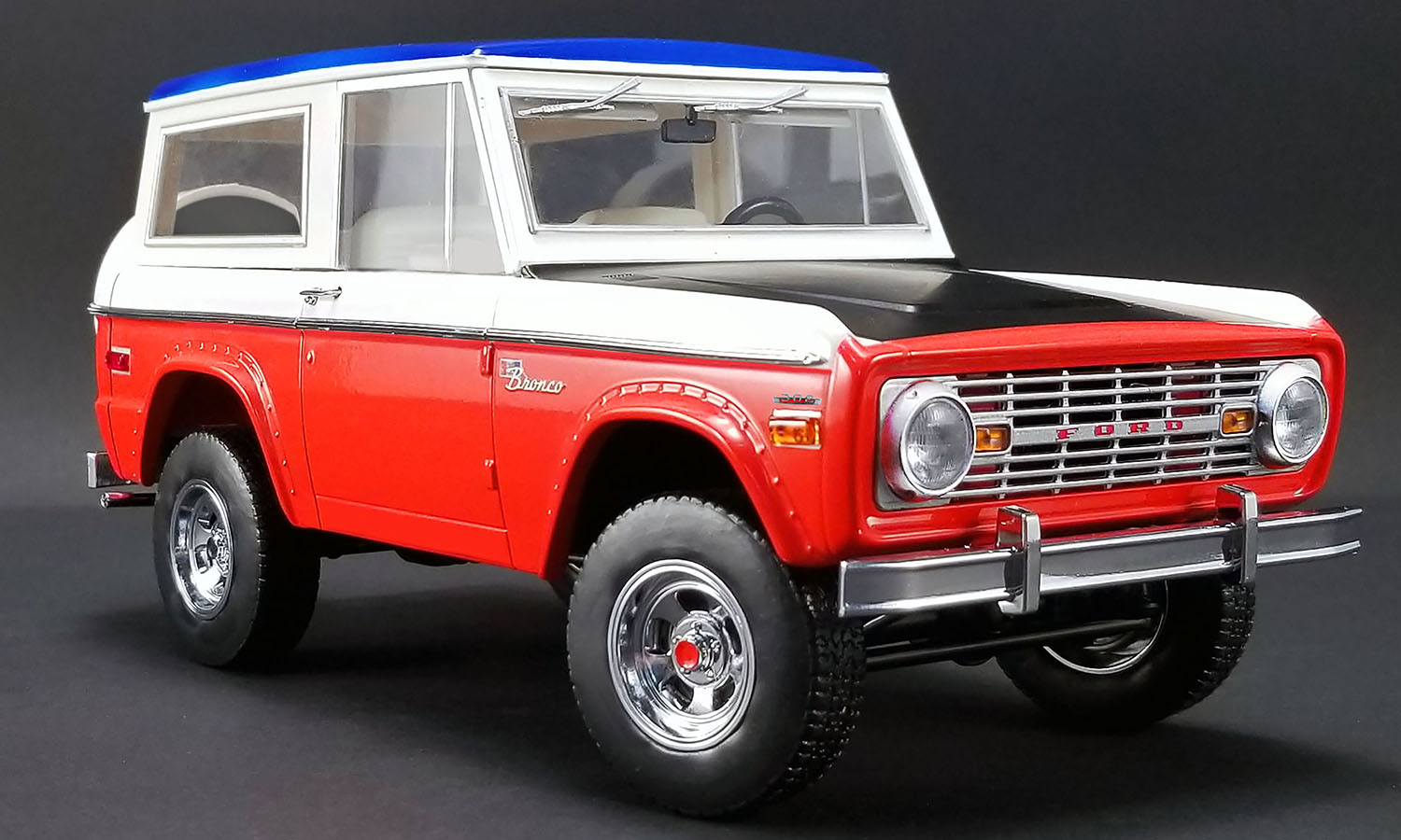 ACME 1:18 1971年モデル フォード ブロンコ1971 FORD BRONCO - BILL STROPPE BAJA EDITION 1/18 by ACME