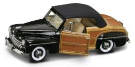 Road Signature 1:18 1946年モデル フォード スポーツマン1946 Ford Sportsman Convertible 1:18 Road Signature