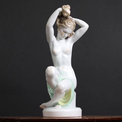 ヘレンド/入浴の髪を洗う女性/ヌード/磁器置物