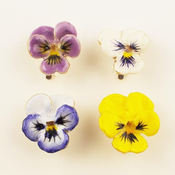 本物のビオラの花イヤリング