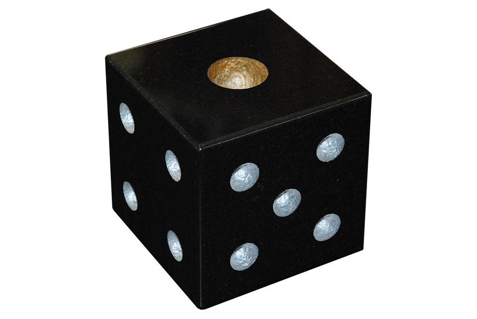 黒御影石で出来たサイコロの彫刻品です インテリアなどにオススメの商品です 人気上昇中 オススメ 中国産黒御影石の彫刻品 サイコロ 公式ストア