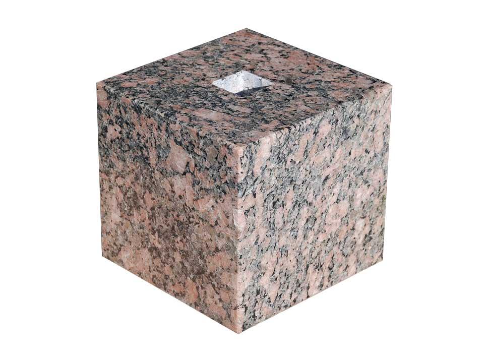 【国内加工】フィンランドの御影石の束石、沓石 上面7寸、高さ7寸【送料無料】