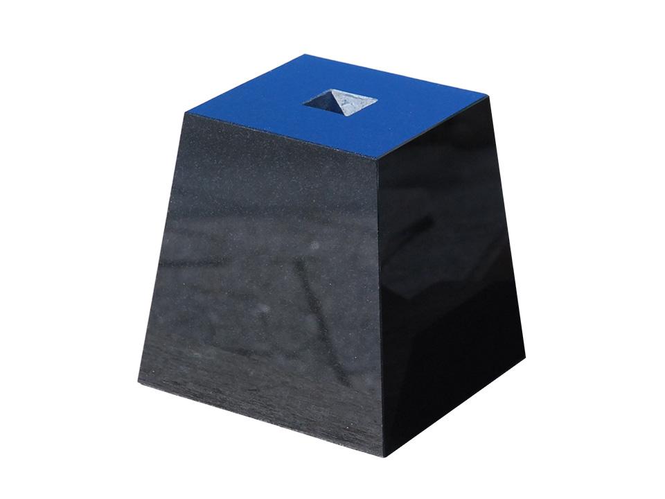 【国内加工】【送料無料】黒御影石の束石、沓石上面6寸、高さ8寸
